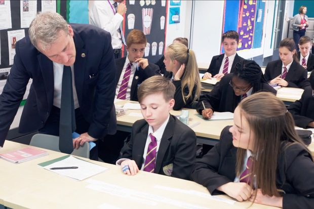 Damian Hinds visiting a school